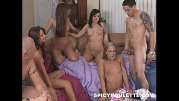 مجموعة الجنس مع رجلين مع ديك ديك