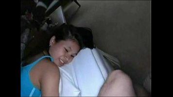 لطيف امرأة سمراء فتاة تتمتع عندما تتلقى الديك في بوسها